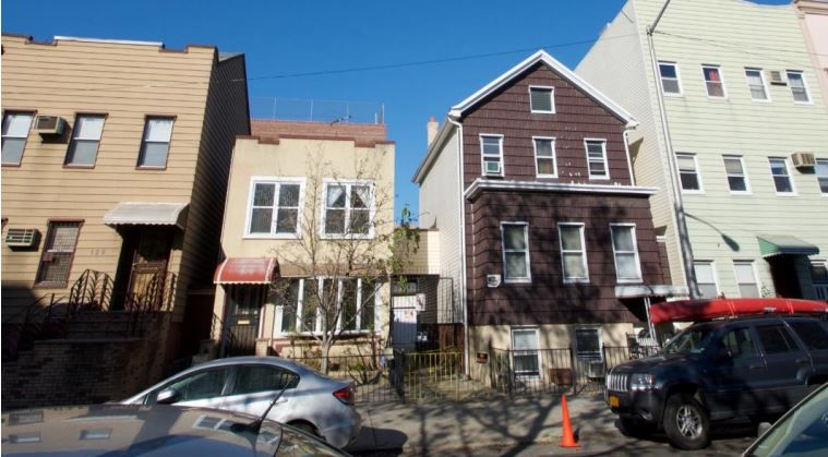 131-133 Devoe Street
