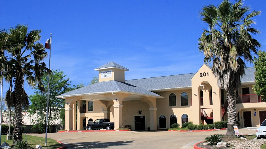 52 Rooms, Former Holiday Inn Express