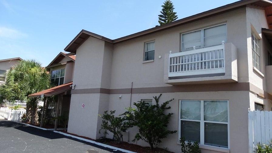 Pelican Apartments