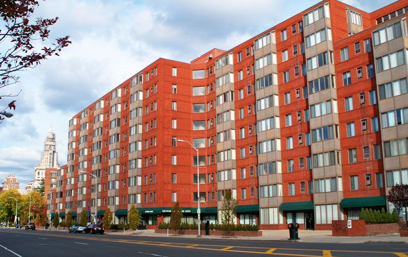 250 Main Street Apartments