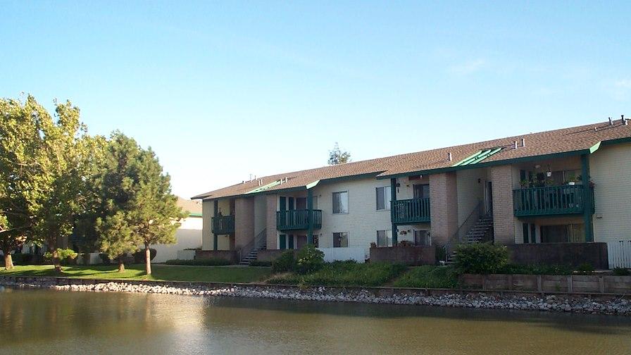 Greenhaven Lake Apartments