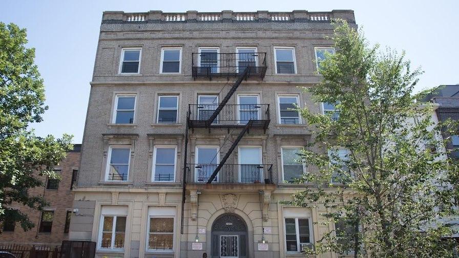 1050 Lafayette Avenue