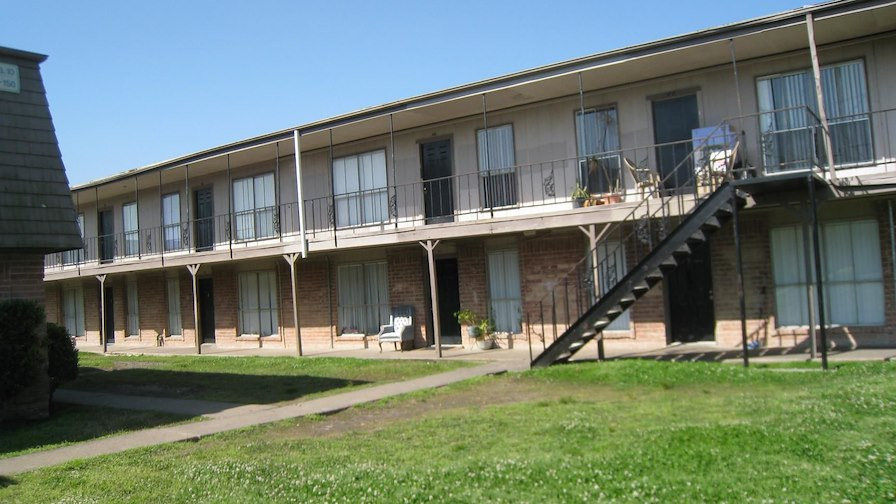 Crestmont Apartment Portfolio