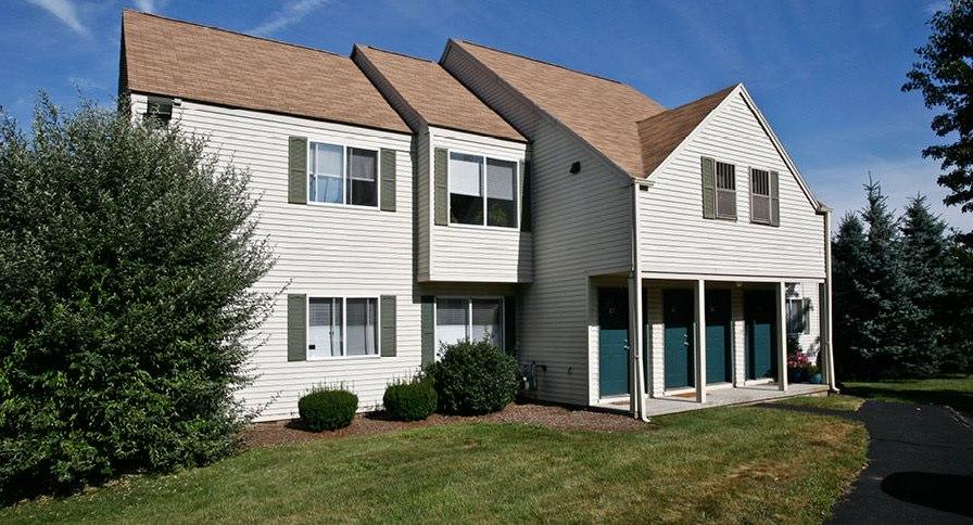 Briar Knoll Apartments