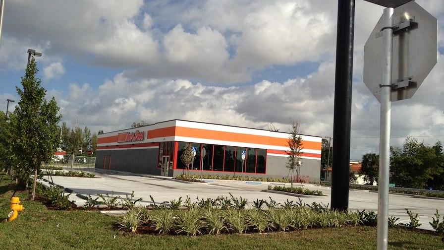 Auto Zone - Miami