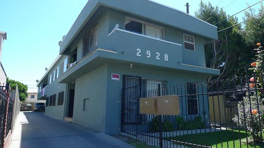 2928 Carmona Avenue