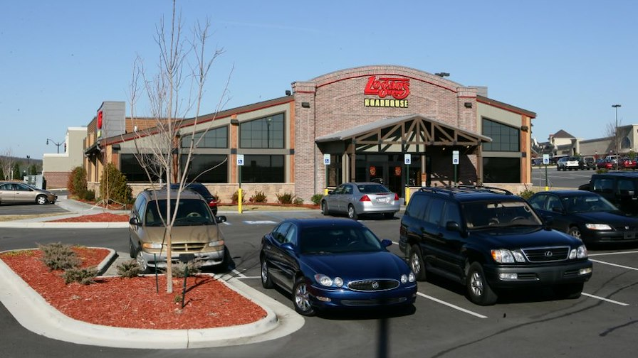 Logan's Roadhouse (Corporate Lease)