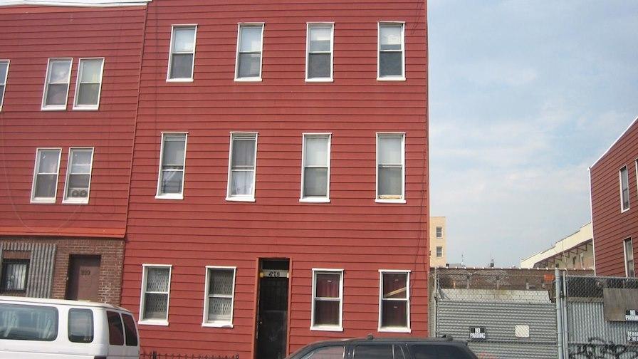 295 Maujer Street