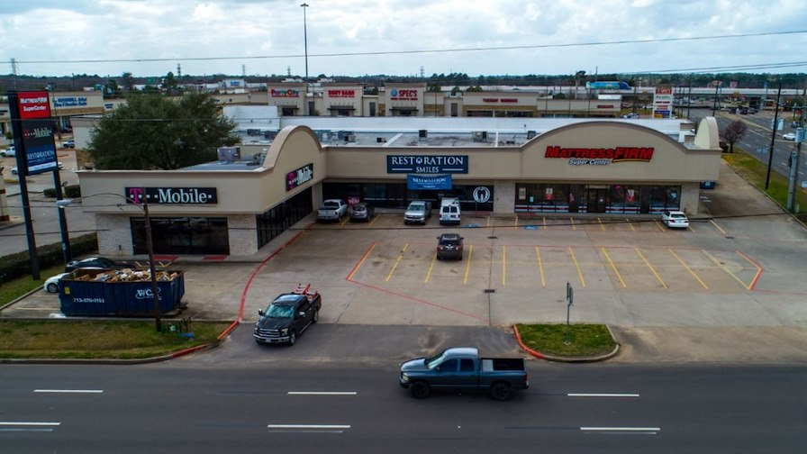 Tomball Parkway Shopping Strip