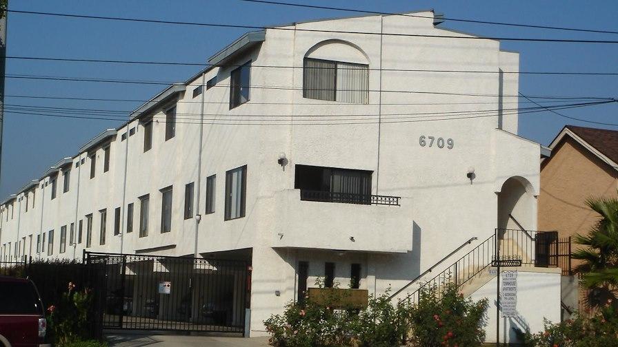 6709 Woodley Avenue