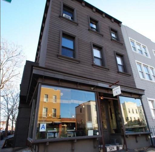 524 Lorimer Street