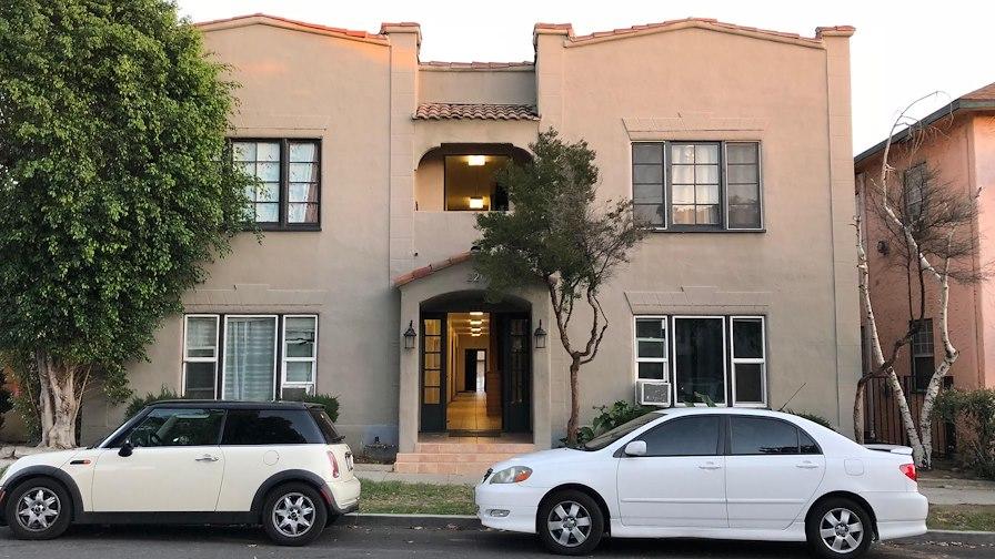 220 East Valencia Avenue