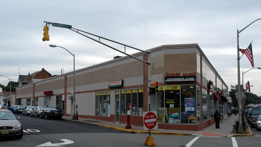 BLOOMFIELD AVENUE RETAIL STRIP