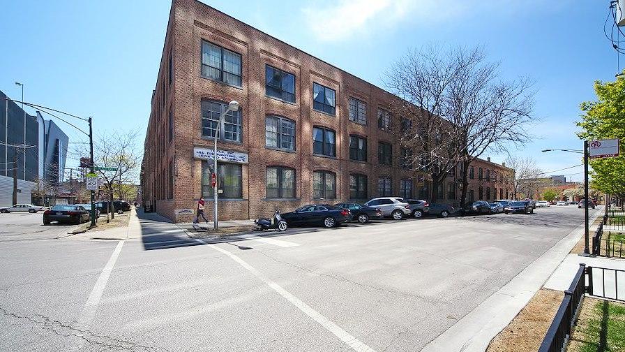 855 West Blackhawk Street